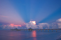 Fort Myers Beach Pier, Anti-crepuscular Rays
